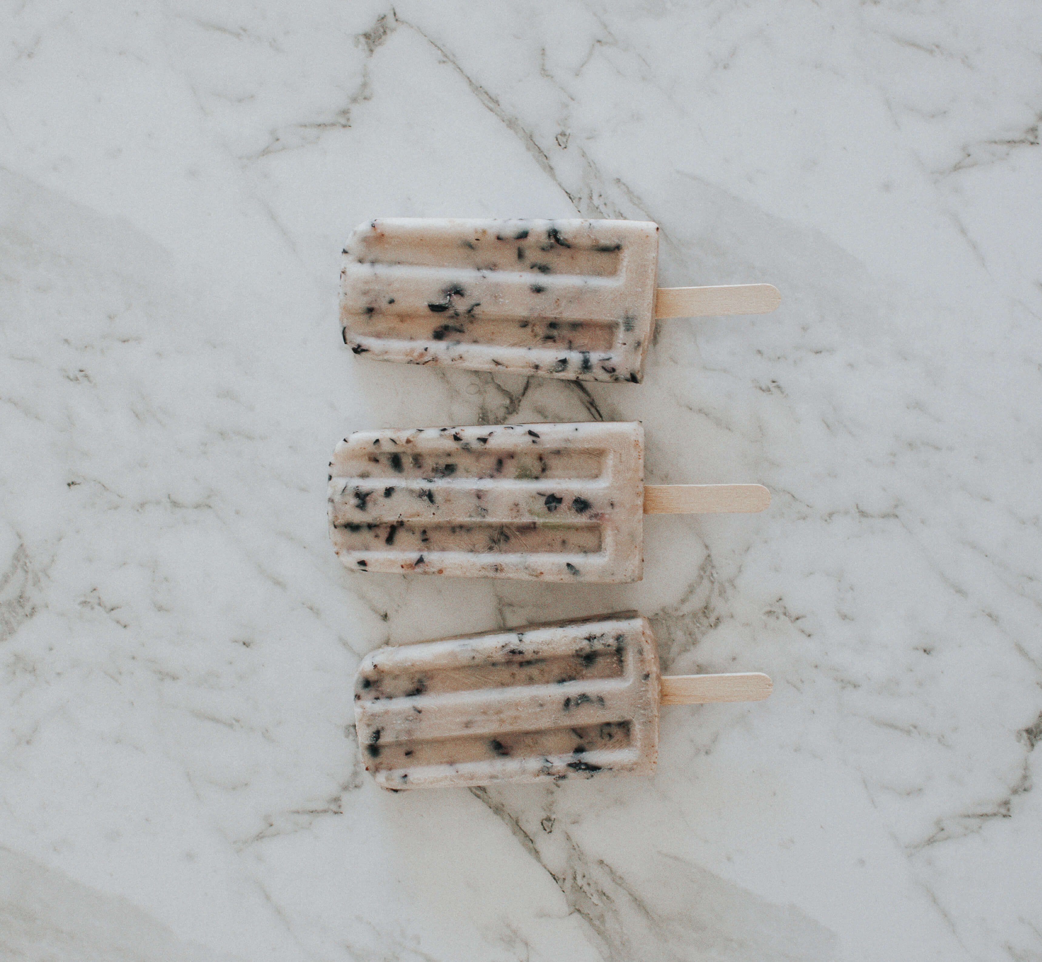 blueberry-coconut-popsicles